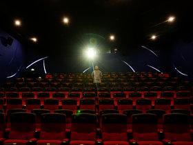 一家影院的暂停和重启  钛媒体影像《在线》