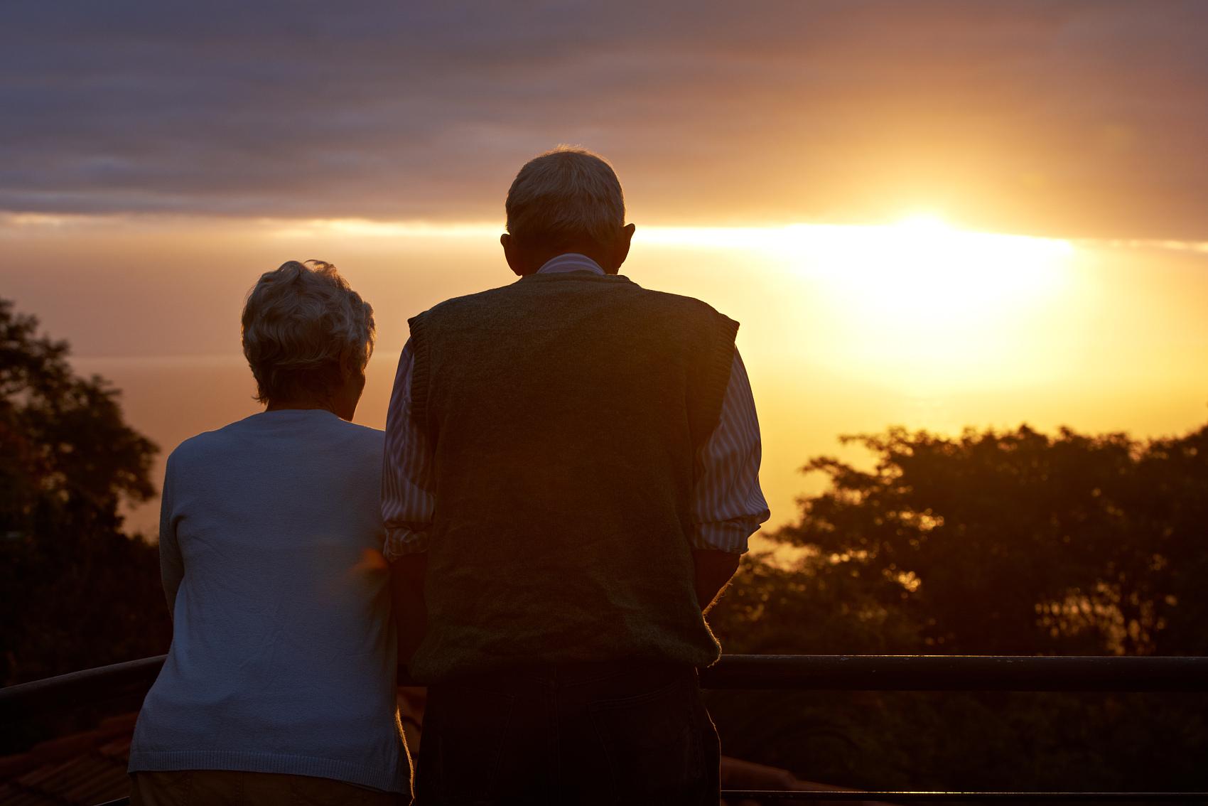 老年金融成为千亿市场, 不过别把老人当流量收割