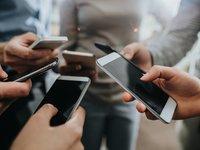 """智能手机市场为何""""跌跌不休"""",这三位朋友或许道出了真相"""
