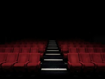 停业近一个月,电影院也坐不住了