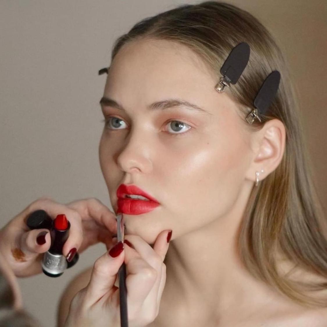 Make Up For Ever如何在抖音玩出了专业彩妆的调性? 营销深案例