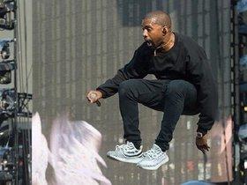 """时尚界需要""""政坛弄潮儿""""Kanye West吗?"""
