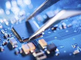 """中芯国际在科创板正式挂牌:研发投入高,芯片制造""""烧""""设备"""