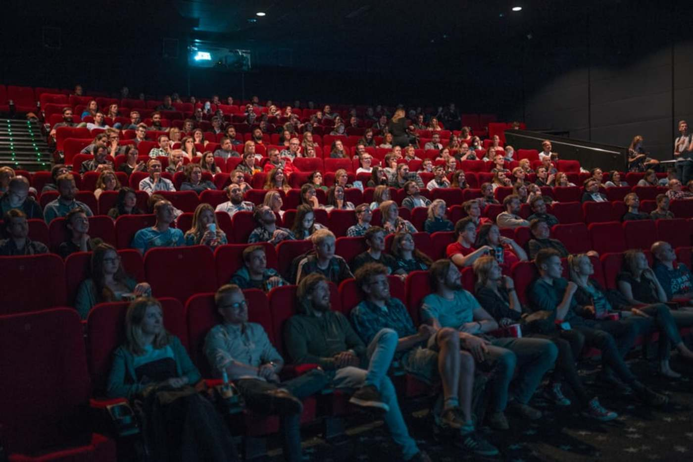 电影院复工首日:票房已破300万,但全面恢复依旧艰难