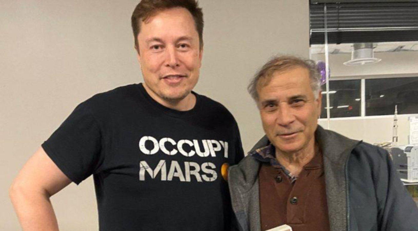美国火星协会创始人罗伯特·祖柏林博士和SpaceX创始人埃隆·马斯克