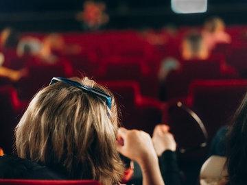 巨亏之下扩增影院,万达电影发射了一颗悲壮的烟雾弹?