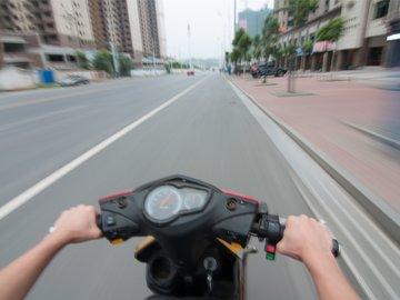 兼职外卖骑手的大学生:被误导办理消费贷,离职损失2000元