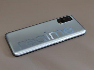 Realme V5开箱:5000mAh+天玑720,这是台主打续航的5G手机?