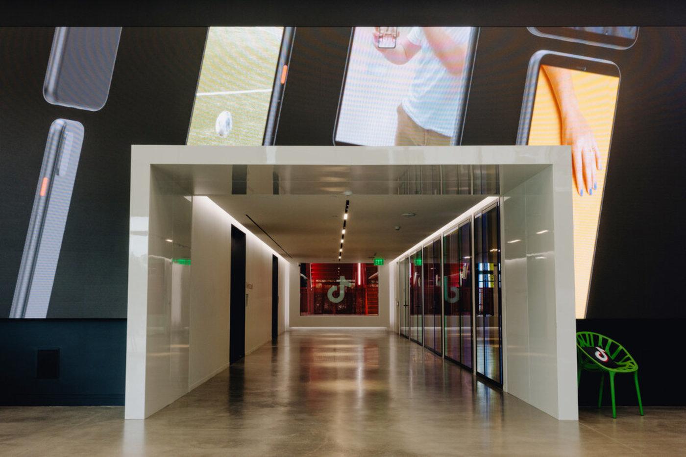位于美国加州卡尔弗城的TikTok办公楼大厅。 图片来源:THE NEW YORK TIMES
