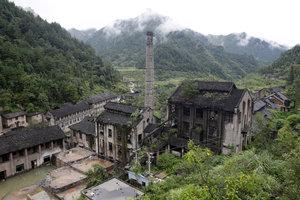 【图集】探秘大山里的汞矿遗址:荒废30年,曾有2万人在这里生活