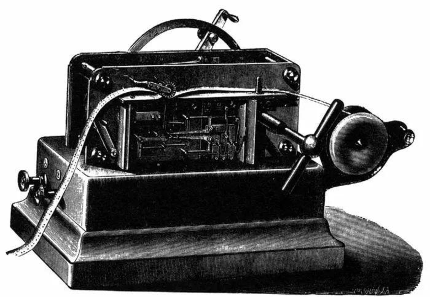 惠斯通自动发送机。事先打好孔的纸带从机器穿过,将消息以摩尔斯电码的形式高速传送出去