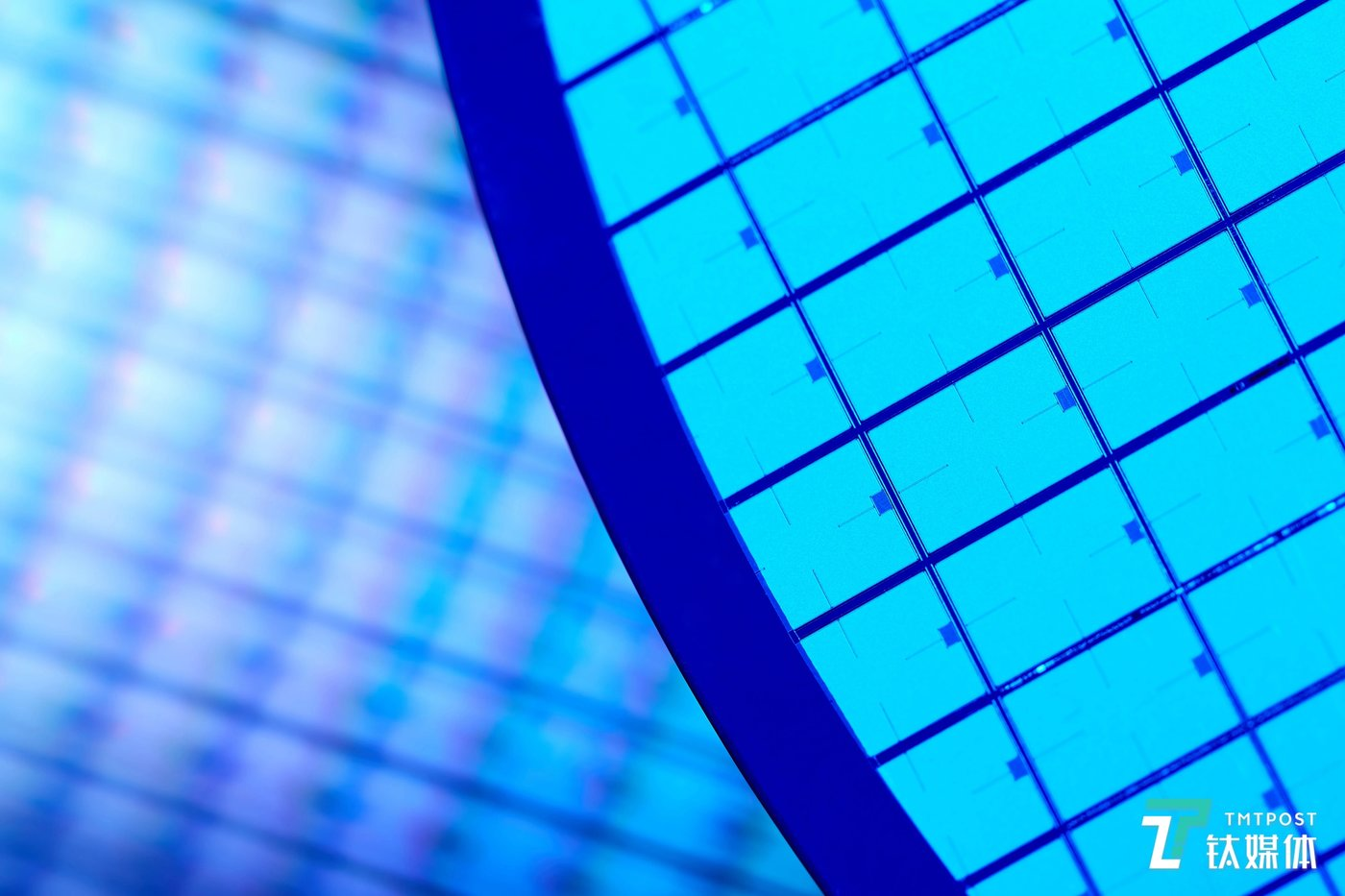 EUV工艺光刻出的晶圆样品(来源:国际半导体行业协会)