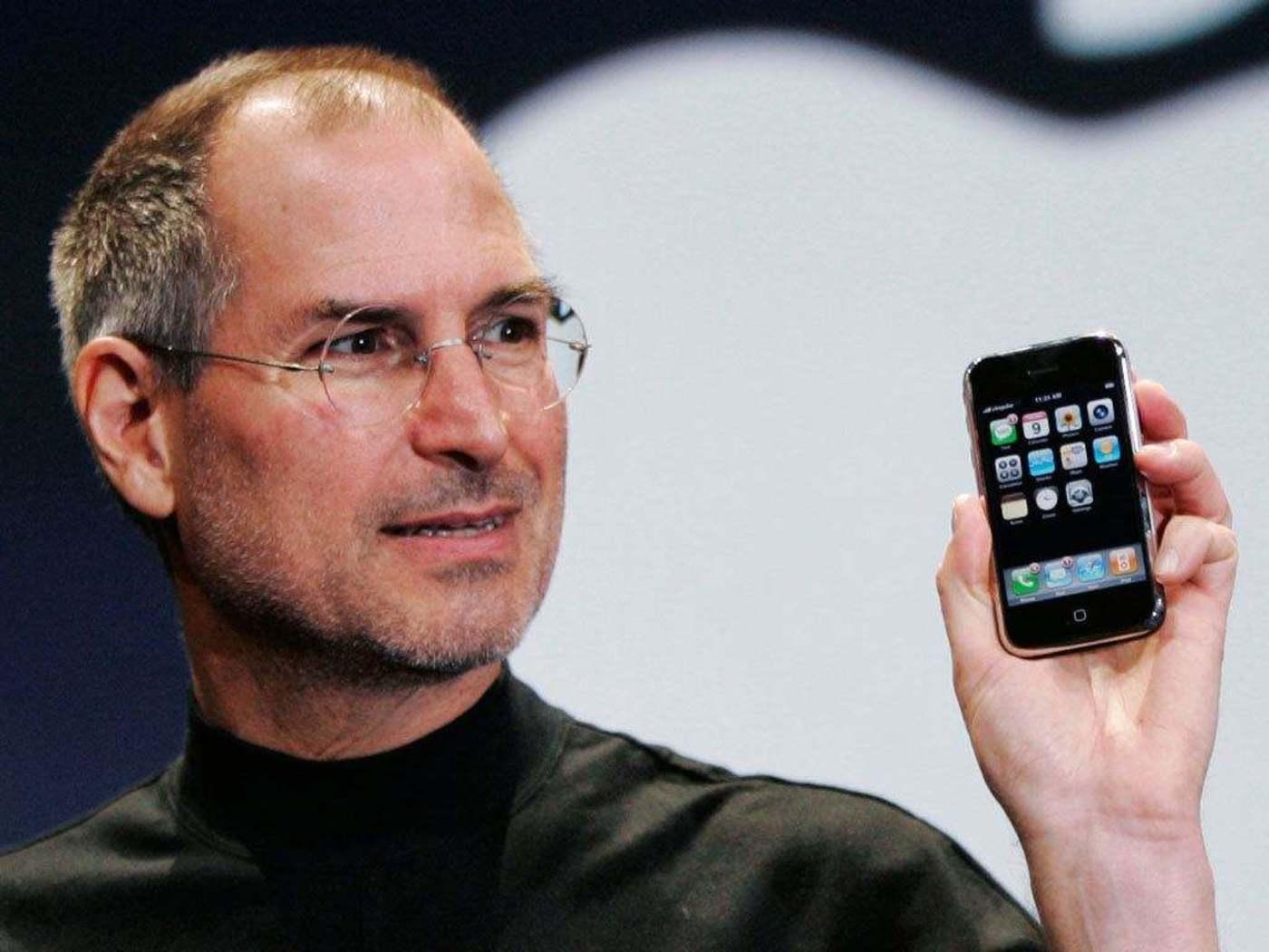 初代iPhone带来了全新的操作方式与应用场景