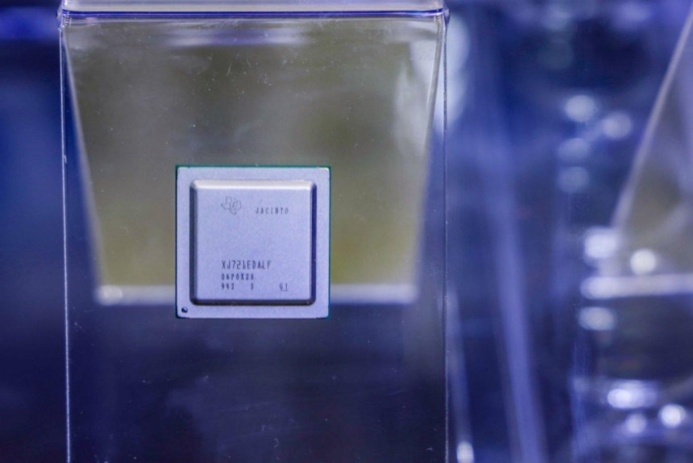 德州仪器(TI)基于Jacinto™7开发的TDA4车规级处理器