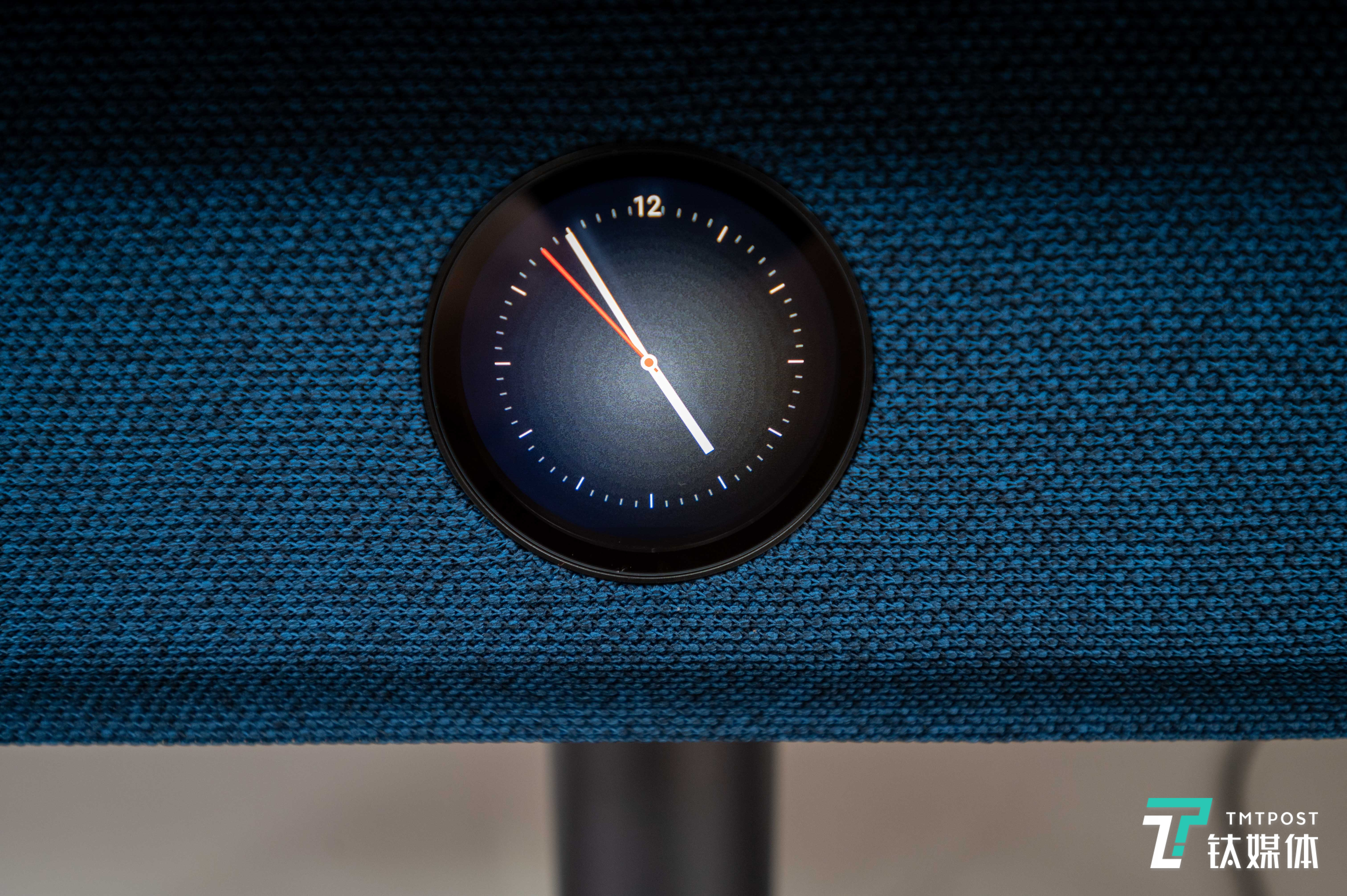 副屏待机状态可以显示时间