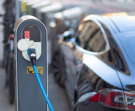 新势力不配叫新能源?