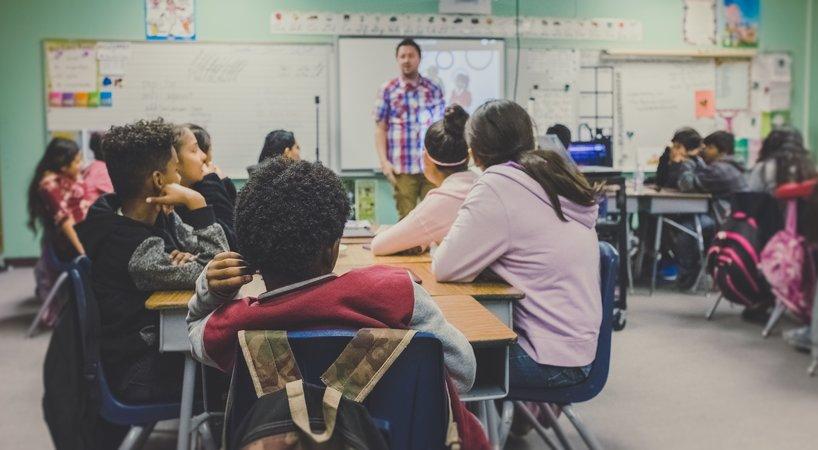 今年秋季招生大战中,教育双巨头新东方、好未来表现如何?