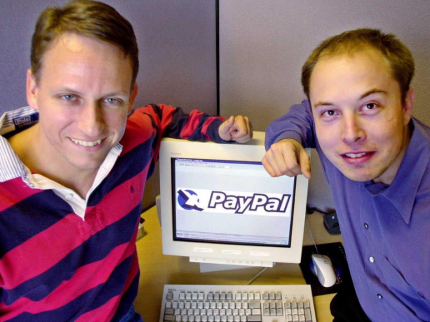 PayPal创始人之一的彼得·蒂尔与马斯克