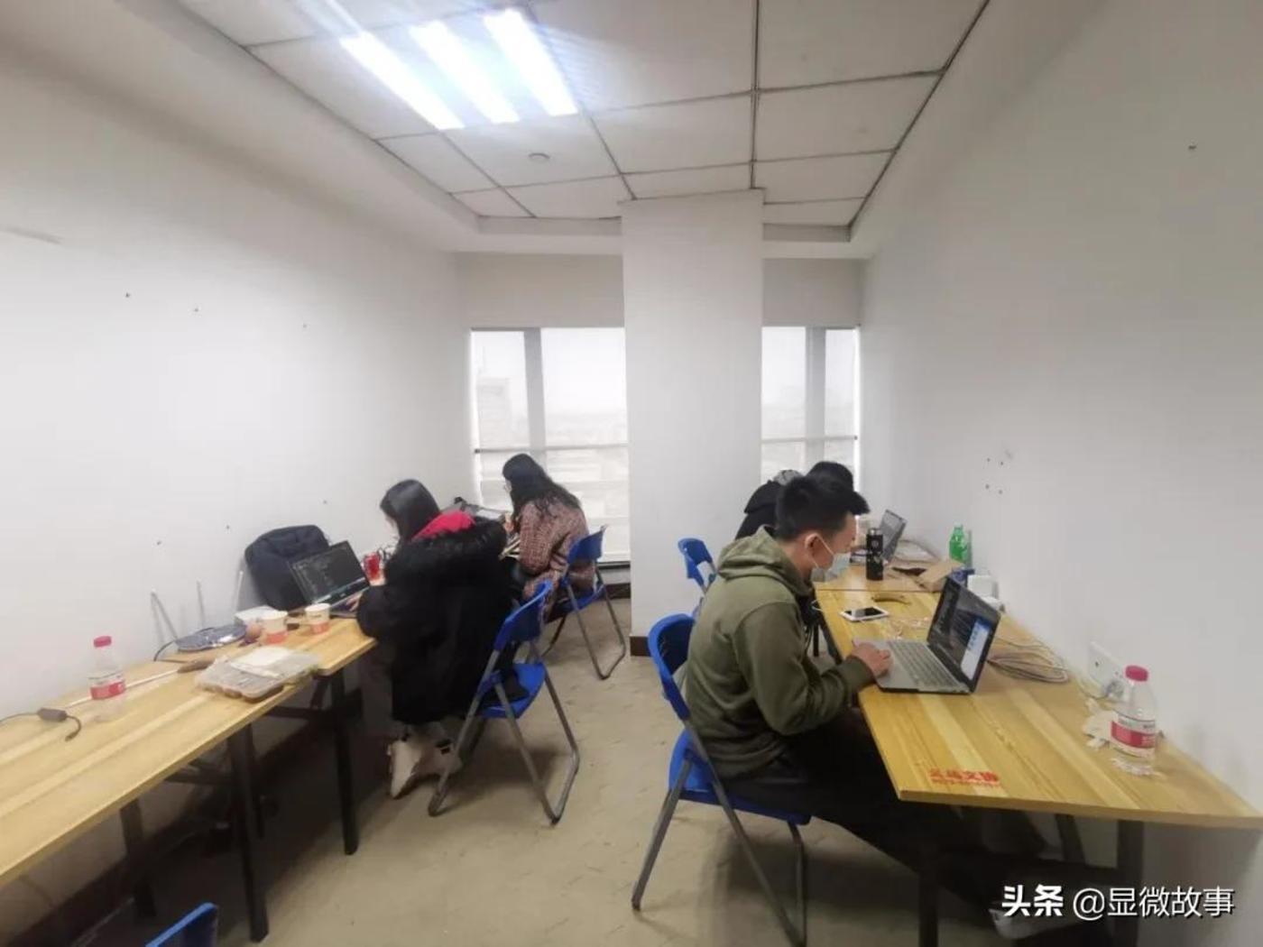 图 | 2月底,安畅网络组建一支团队自驾前往义乌,集中封闭开发数字贸易平台。
