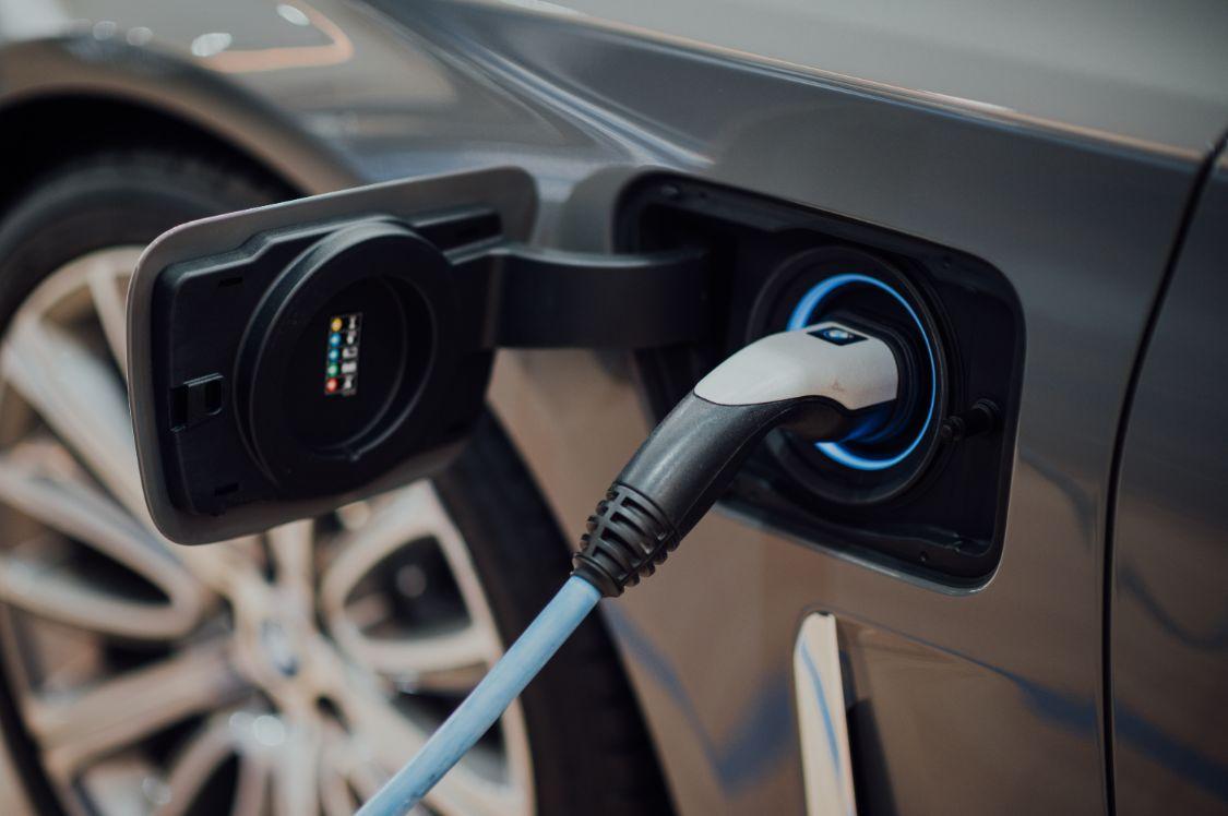 新能源车销量大比拼:谁在围殴特斯拉,谁不配拥有姓名?