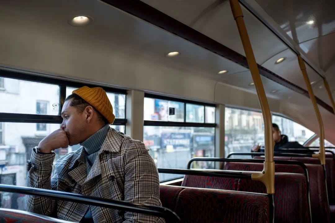 亲历伦敦封城:不敢坐公交,医院高负荷,打疫苗吃止痛片