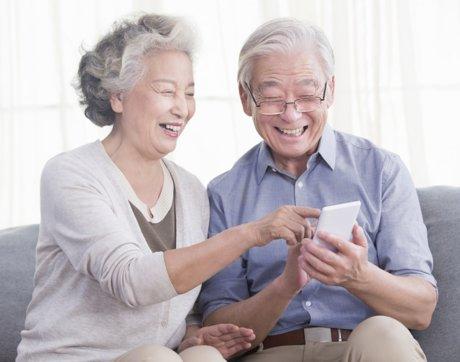 我,78岁,瞒着家人偷偷买了部手机