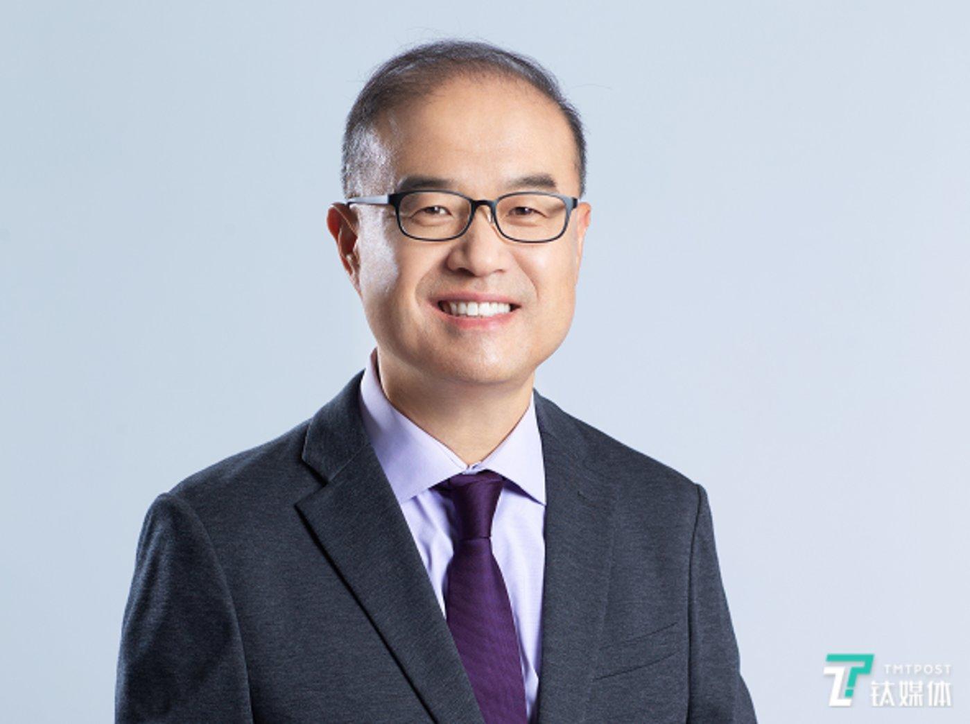 清华大学医学院教授、全球健康与传染病研究中心主任张林琦