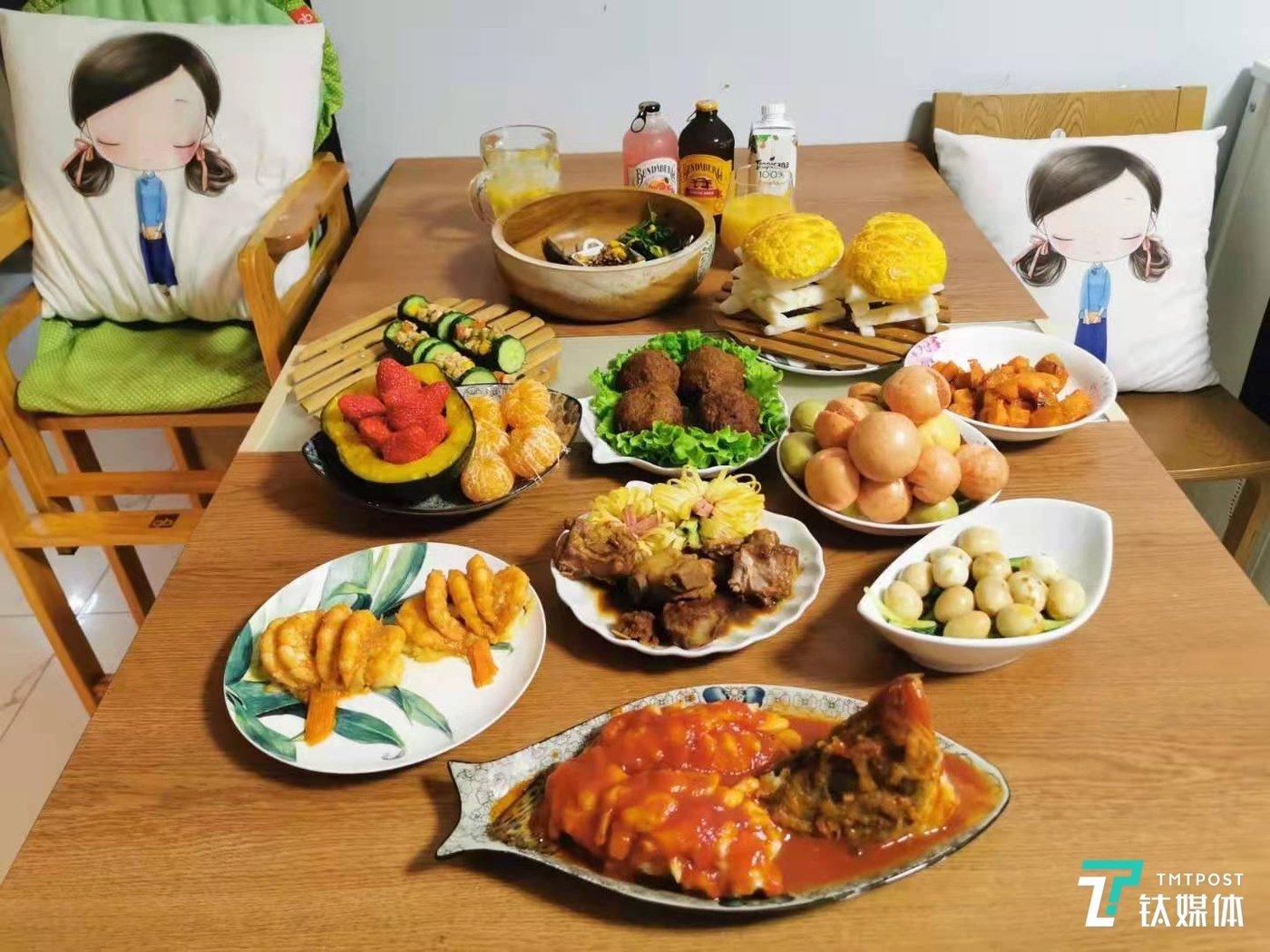 一德家做的年夜饭。(图/采访者供图)