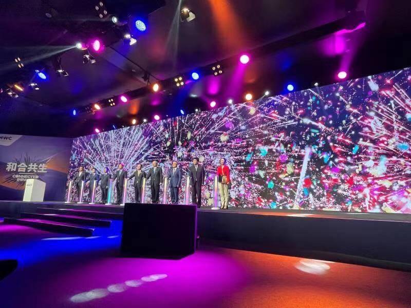 2021 MWC上海首日看点:华为首个智慧屋亮相,中兴展示屏下黑科技,杨元庆称5G商用迎来…