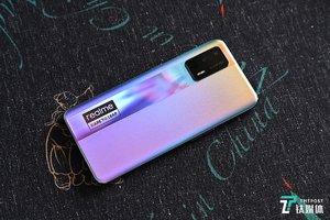 realme 真我GT Neo上手开箱:179克轻薄潮玩设计+大电池配50W智慧闪充