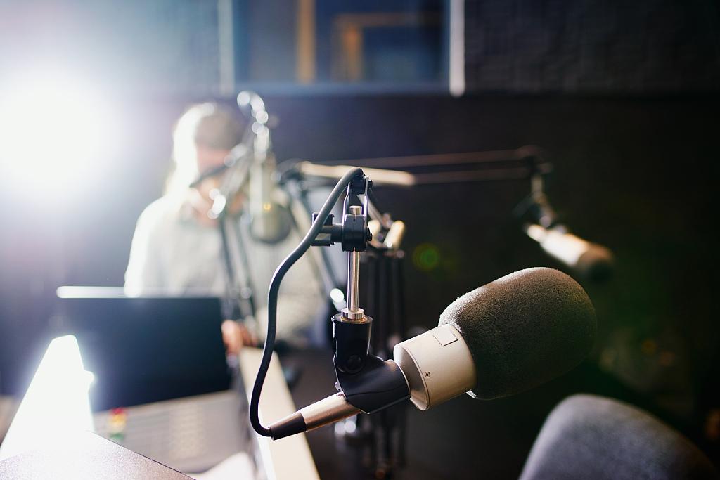 内容线性、缺少视效,被广告主嫌弃的播客如何破局?