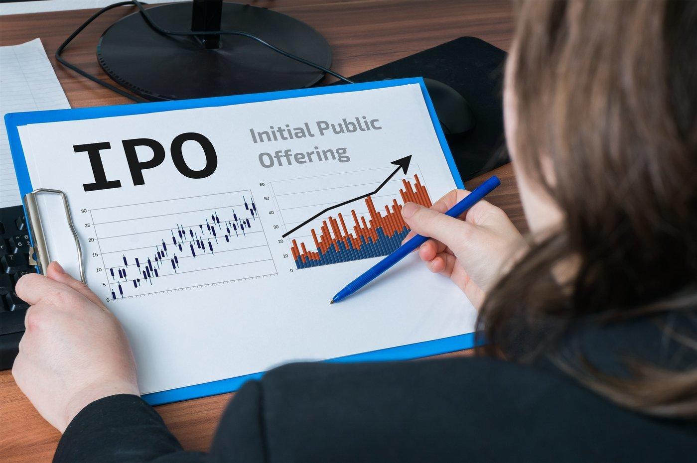 """监管层启动严查证监系统原官员、前发审委员""""关联""""入股IPO项目,涉及公司或叫停受理和暂缓审核"""