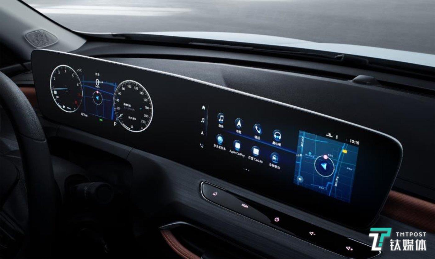 搭载最新eConnect 3.0智能互联科技与双联屏显示功能