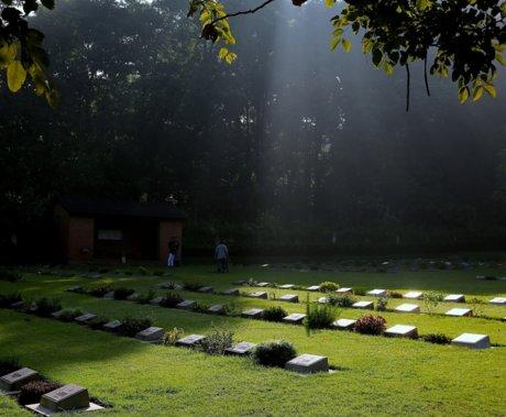 买墓地≠买房,殡葬业的隐秘角落