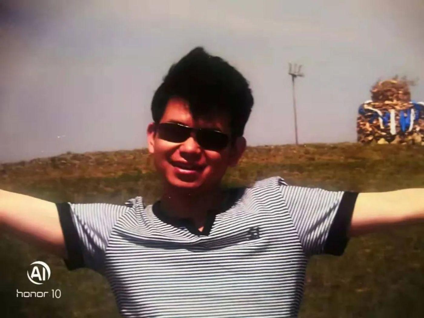 图   申哥10年前在内蒙古游玩