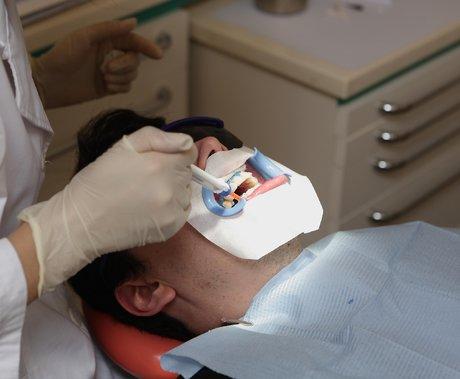 万字拆解口腔医疗赛道:一颗牙,到底要花多少钱?