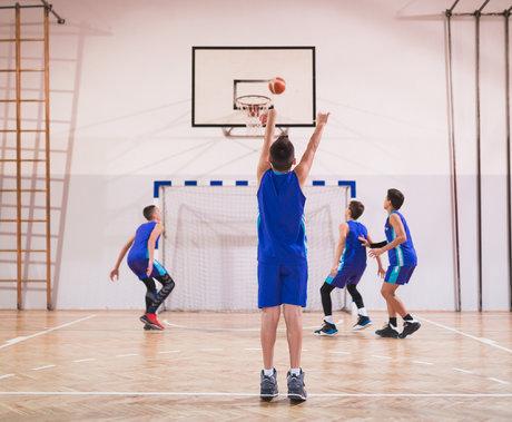 「蝶变」中的青少年体育培训 | 钛媒体深度
