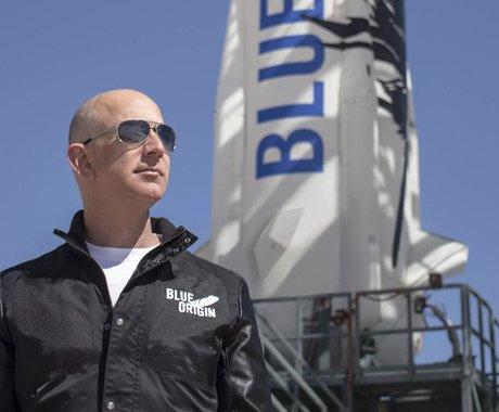 """贝索斯谈首次太空之旅:这是向修建太空之路使命迈出的""""一小步"""""""
