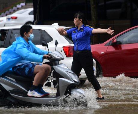 直击郑州暴雨48小时,一些身边的故事