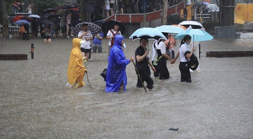 河南抗洪中,有一群了不起的年轻人