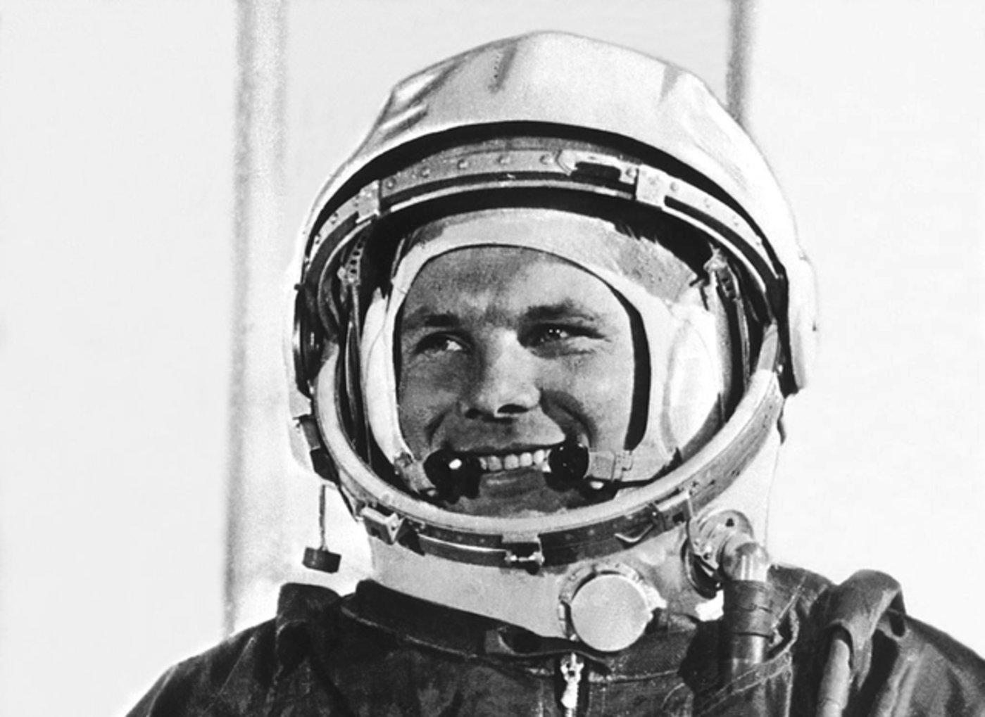 加加林成为遨游太空第一人
