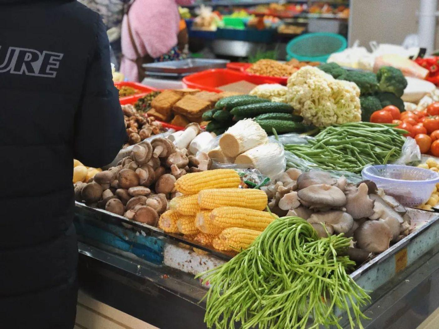 线上线下生鲜产品高度同质化