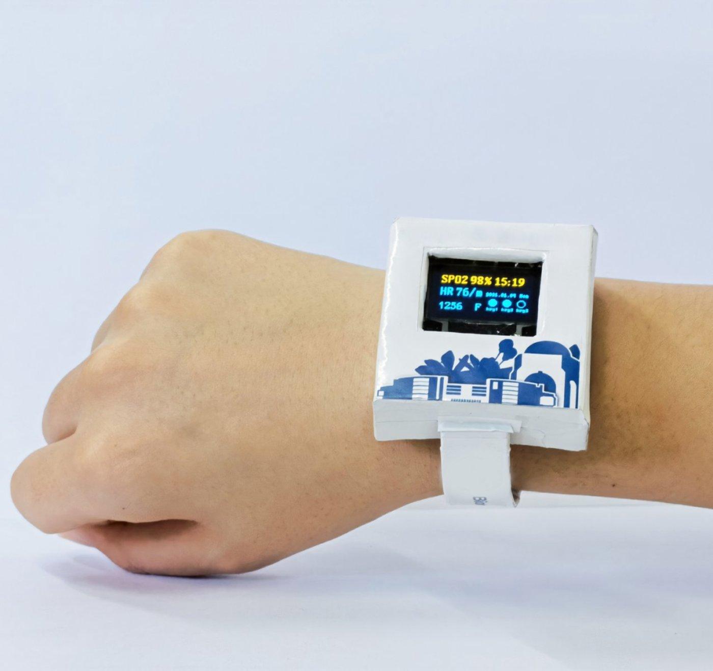 世界上第一款可溶解电子手表,来源:黄显教授团队