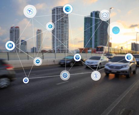 车联网是让汽车成为四个轮子上加一部手机吗?