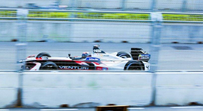 路特斯赛道级智能驾驶的野望:不只要跑赢F1冠军