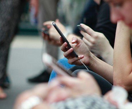 从苹果发布会说起,手机为什么越来越无聊了?