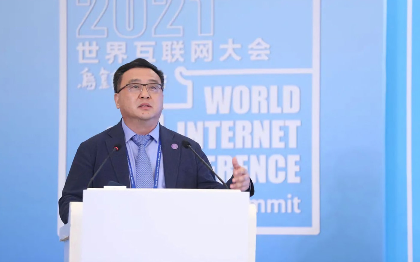 清华大学教授、智能产业研究院院长张亚勤
