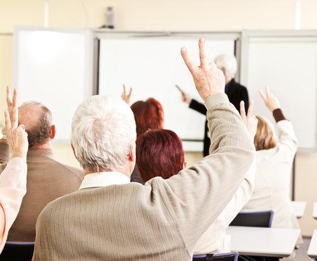 2.64亿老人的教育需求,能催生一个万亿级支柱产业吗?