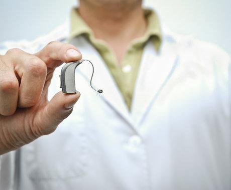 北交所第一股首日大涨43%,进口封锁的助听器赛道迎来爆发式增长