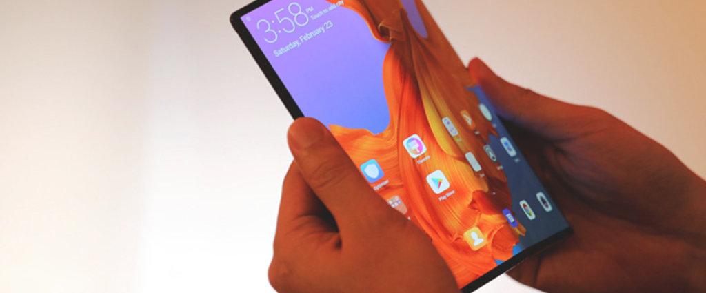 """折叠屏手机是革命性创新,还是""""技术弯路""""?"""